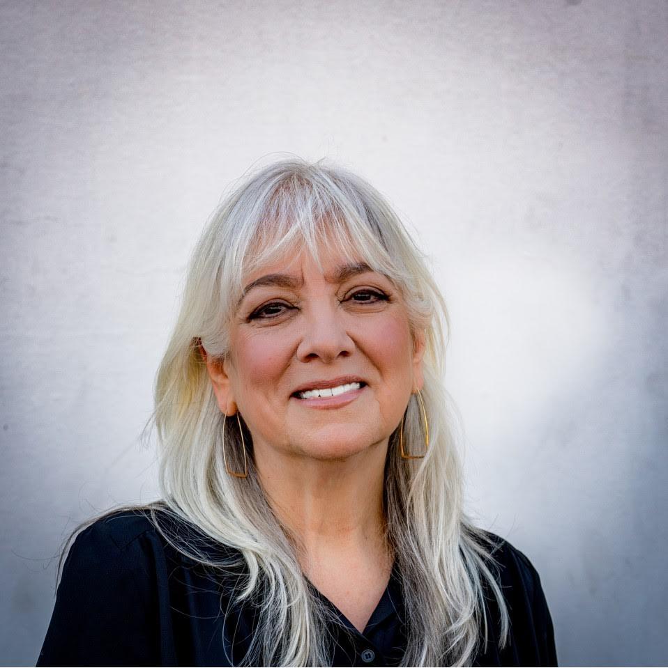 Donna Grandi NIkander