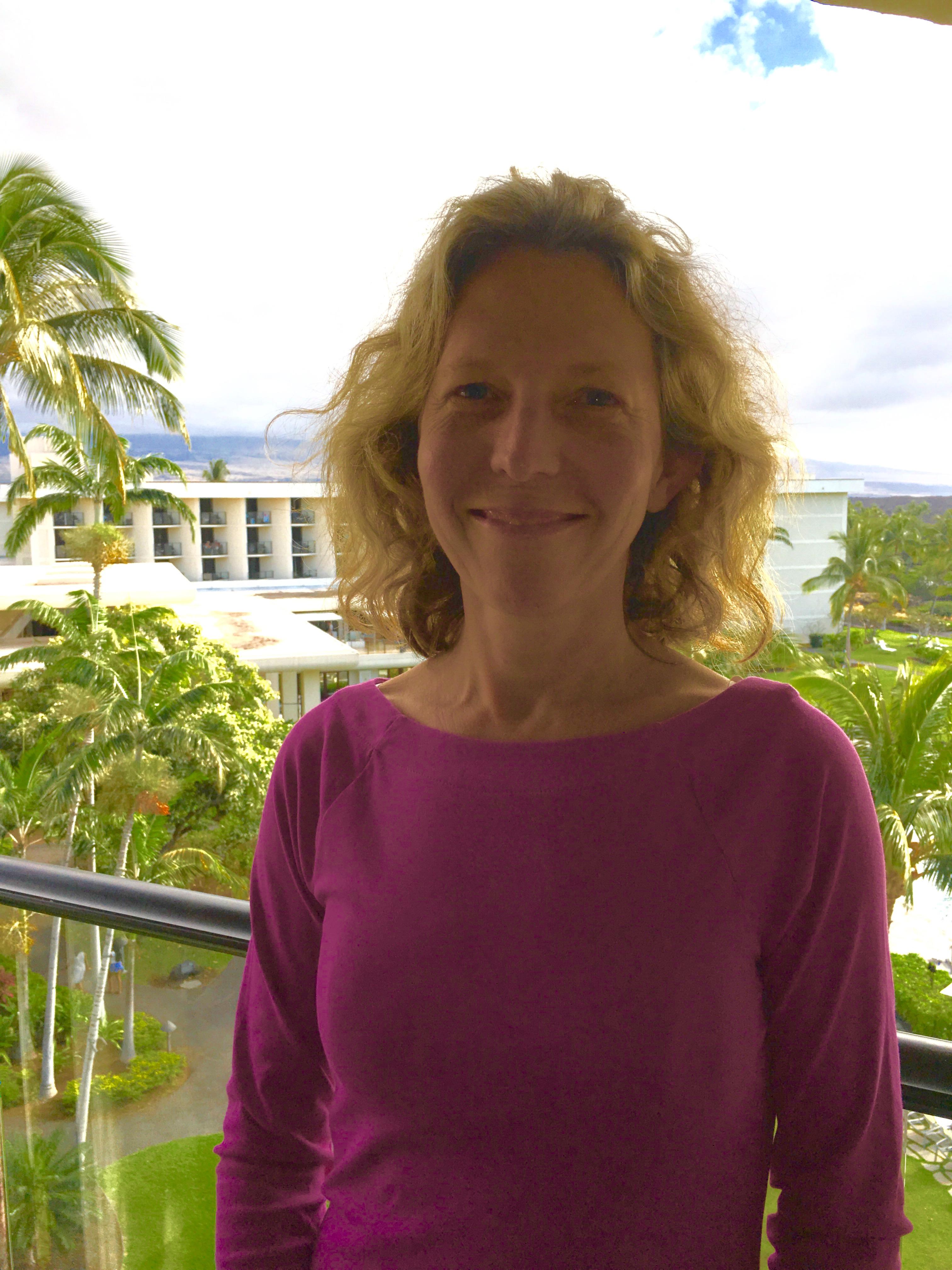 Dr. Lizzie Clapham