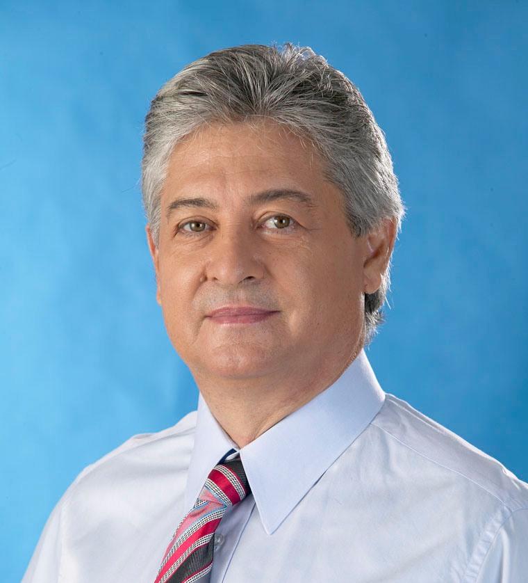 Dr. Carlos Manuel Viana