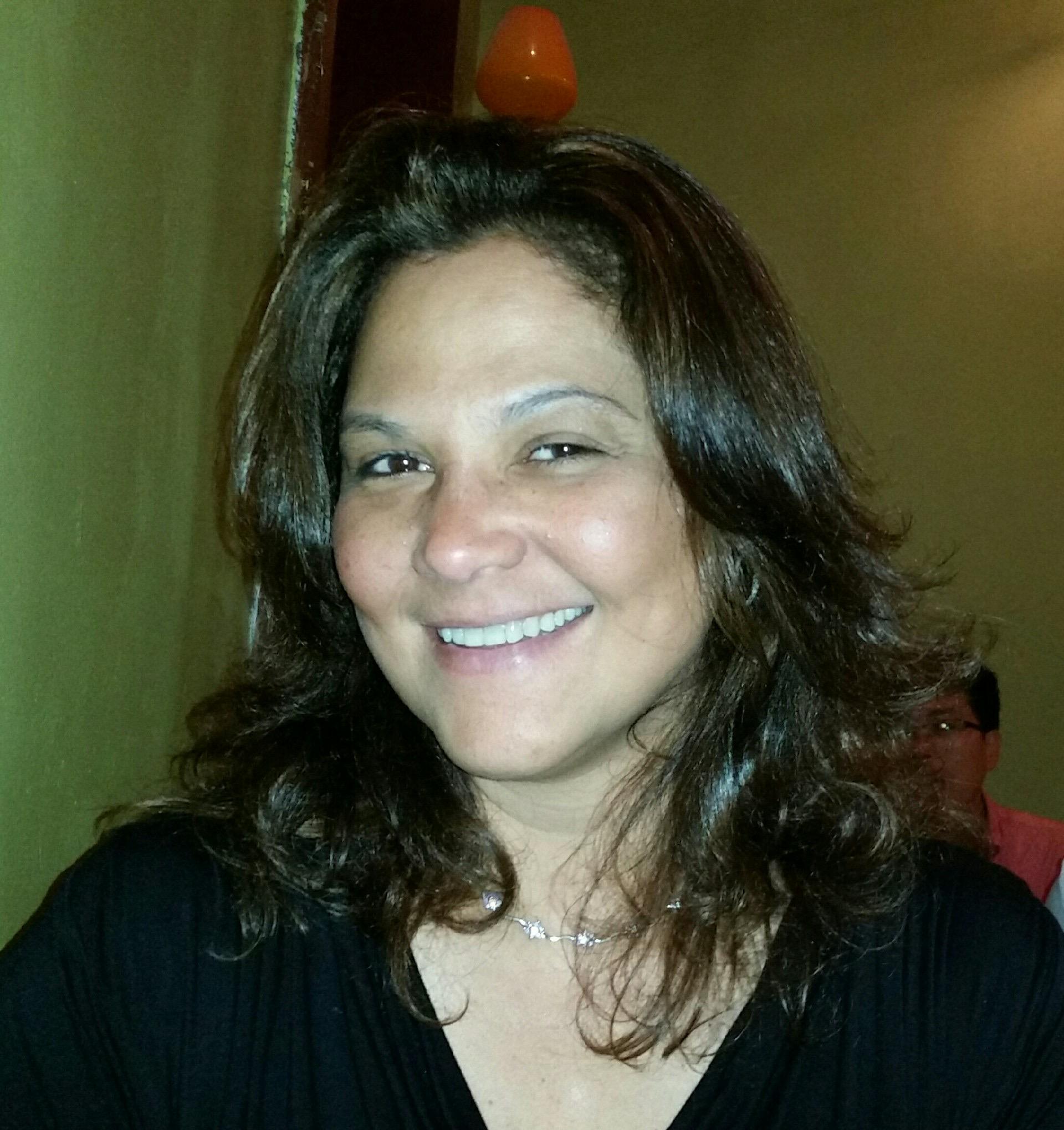 Dr. Nidia R Carrero